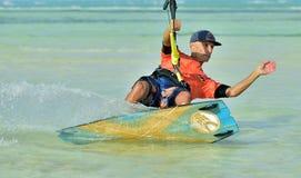 风筝冲浪 乐趣在海洋,极端体育 图库摄影