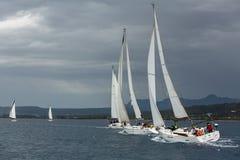 风船参加在希腊海岛群中的航行赛船会第12 Ellada秋天2014年在爱琴海 免版税库存照片
