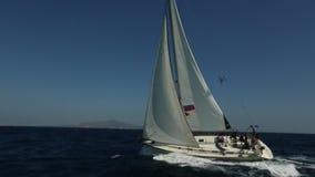 风船参加航行在希腊海岛群中的赛船会第20 Ellada秋天2018年在爱琴海 股票视频