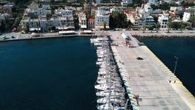 风船参加航行在希腊海岛群中的赛船会第20 Ellada秋天2018年爱琴海SeaÑŽ的 股票录像