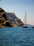 风船在圣托里尼 免版税库存图片