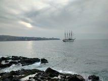 风船在瓦尔帕莱索 图库摄影