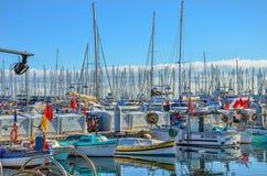 风船帆柱森林在Port Le Vieux -戛纳,法国 库存照片