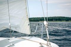 风船的前面 库存图片