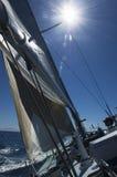 风船索具和帆柱在海洋的 免版税库存图片