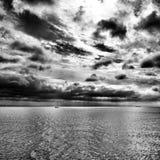 风船 在黑白的艺术性的神色 库存照片