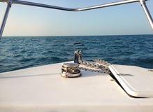 风船绞盘和绳索游艇细节 库存图片