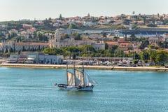 风船Leao Holandes在里斯本,葡萄牙 图库摄影
