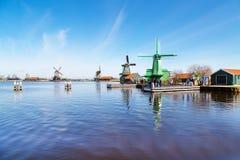 风车全景在Zaanse Schans,传统村庄,荷兰,北荷兰省 库存照片