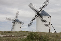 风车在卡斯蒂利亚拉曼查 库存照片