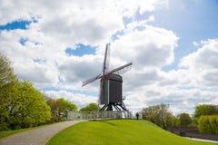 风车在布鲁日,北欧,比利时 免版税库存图片