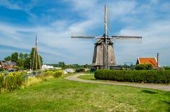 风车在阿尔克马尔,荷兰 免版税库存照片