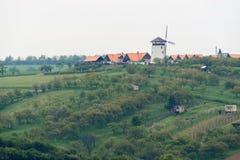 风车在Bukovany,南摩拉维亚,捷克共和国 免版税库存图片