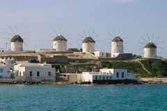 风车在Mykonos 免版税库存照片