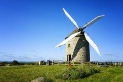 风车在Pontorson 图库摄影