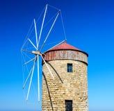 风车在Rhodos 免版税图库摄影
