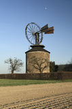 风车在Ruprechtov 免版税库存照片