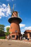 风车是其中一个荷兰的最著名的标志 免版税库存照片