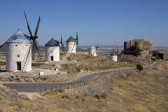 风车- La Mancha -西班牙 免版税库存图片