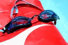 风镜游泳 免版税库存照片