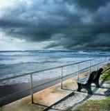 风雨如磐海滩的岸 库存照片