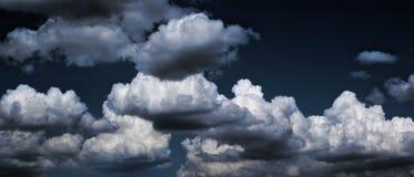 风雨如磐的天空 免版税库存照片