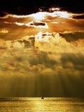 风雨如磐的日落 免版税库存图片