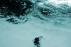 风雨如磐的水 免版税库存照片
