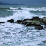 风雨如磐的海波浪 免版税库存照片