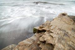 风雨如磐的海浪 免版税图库摄影
