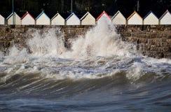 风雨如磐的海边散步 图库摄影