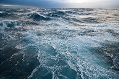 风雨如磐的海运 免版税库存照片