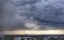 风雨如磐的skyscape 免版税库存照片