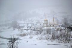 暴风雪在村庄 图库摄影