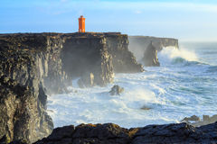 风暴在离冰岛的海岸的附近 免版税库存图片