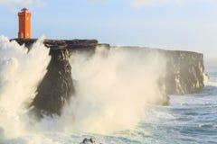 风暴在离冰岛的海岸的附近 免版税图库摄影
