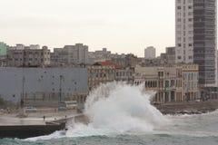 风暴潮在城市 库存照片