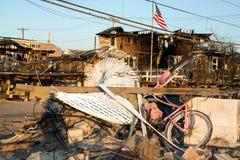 飓风桑迪烧了残骸,通风点,女王/王后 免版税库存图片