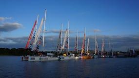 飞剪机游艇况赛在Derry/伦敦德里靠码头 图库摄影