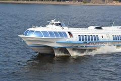 飞星,水翼艇小船在圣彼德堡 图库摄影