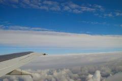 飞机云彩分层堆积视图 免版税库存图片