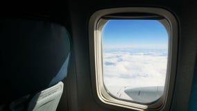 飞机云彩天空窗口 股票录像