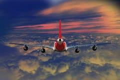飞机云彩旅行天空航空风速飞机背景蓝色 免版税库存照片