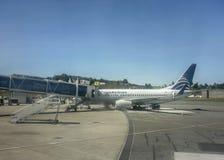 飞机停放在机场在麦德林 图库摄影