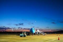 飞机停车处在机场 库存照片