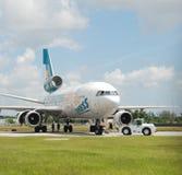 飞机剪切喷气机金属退休的报废 免版税库存图片