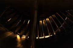 飞机发动机从后面与少量轻 免版税库存照片