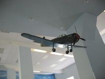 飞机发动机大厦的历史的博物馆 在立场的飞机发动机 涡轮发动机和内燃机 Mo 免版税图库摄影