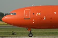 飞机喷气机乘出租车 免版税库存照片