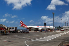飞机在毛里求斯机场 图库摄影